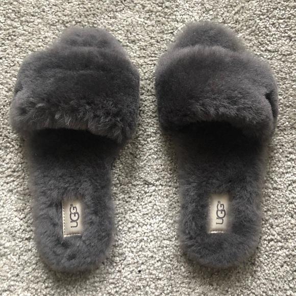 8034376dff8 NWT UGG slippers NWT